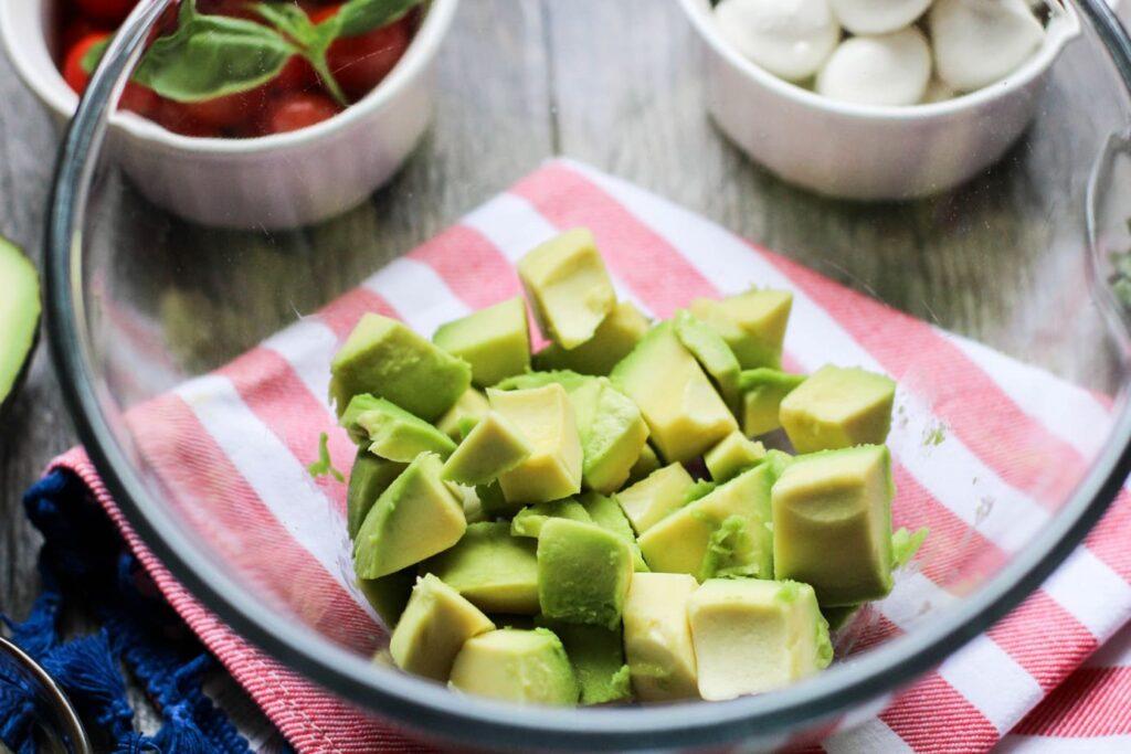 Healthy Summer Avocado Caprese Salad Recipe