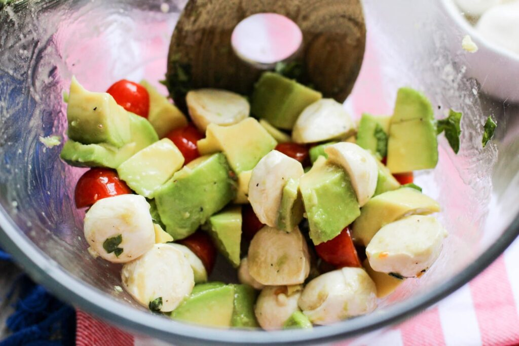 Healthy Summer Avocado Caprese Salad Recipe