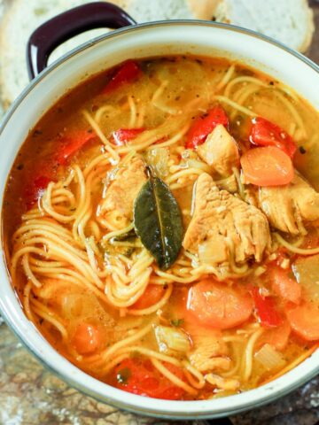 sopa de fideo in a pot