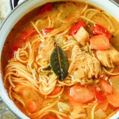 sopa de fideo in a pot