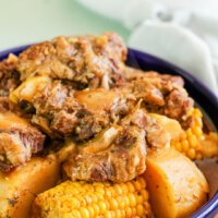 oxtails with corn and potatoes