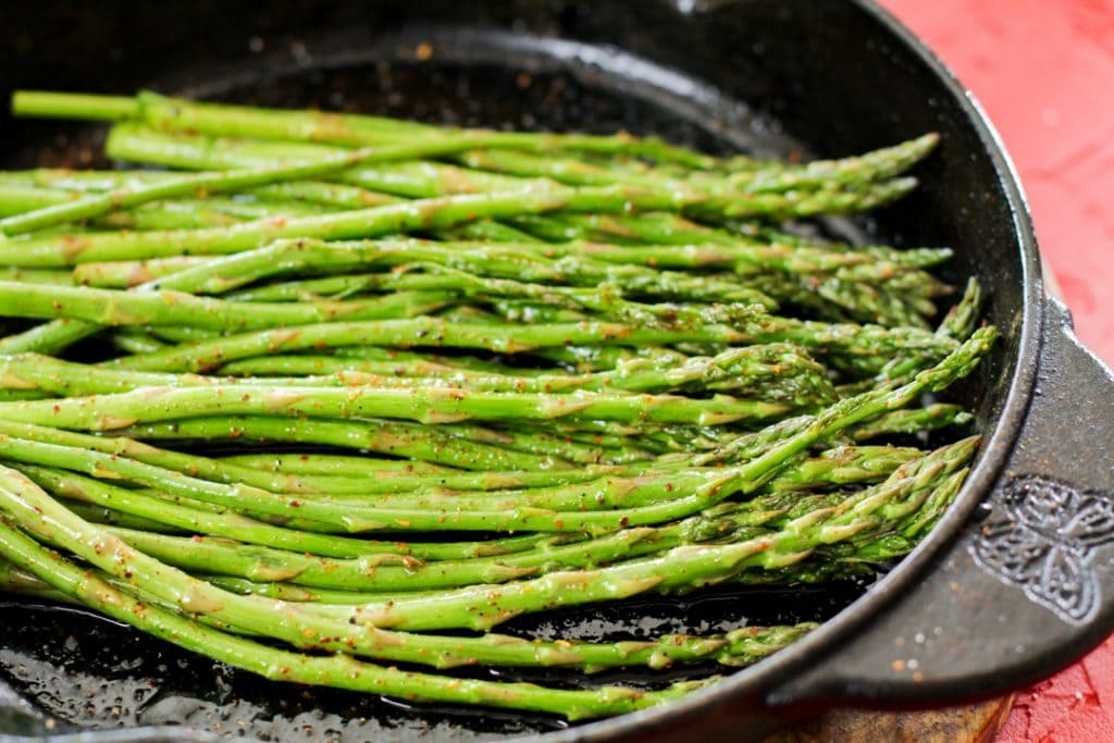 asparagus in cast iron pan